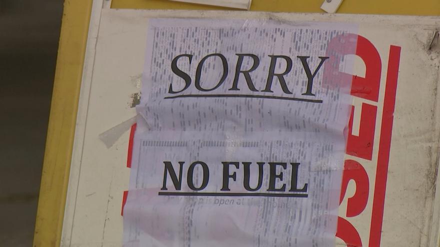 Video EBU: Až 90 procent čerpacích stanic ve velkých britských městech nemá palivo