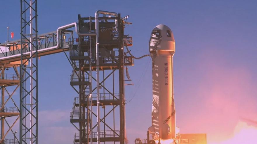 Video Blue Origin má za sebou další úspěšný let do vesmíru. Cestu absolvoval kromě miliardáře Bezose i kapitán Kirk