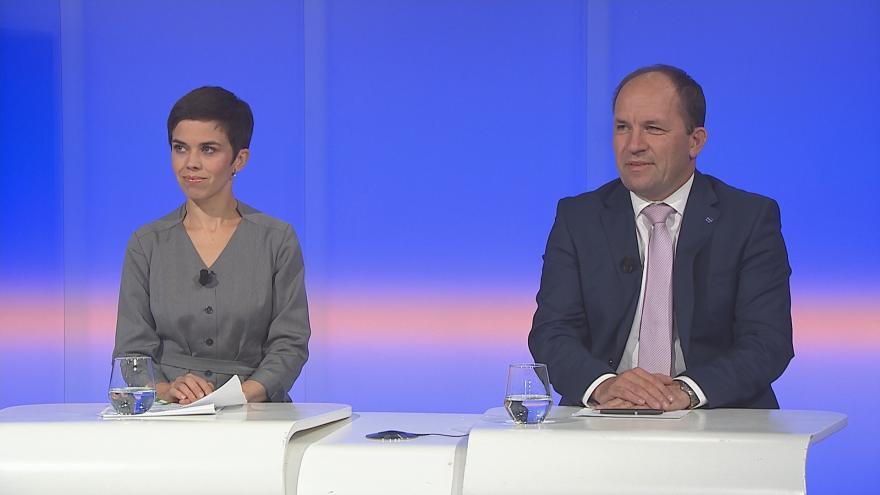 Video 90' ČT24 - Jednání koalic o nové vládě