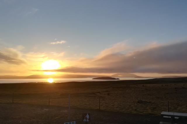 Pustá islandská planina při východu slunce