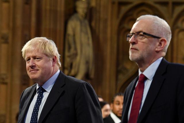 Britský premiér Boris Johnson a šéf labouristů Jeremy Corbyn