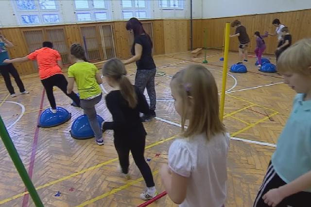 Hodiny tělocviku děti v Ivančicích baví