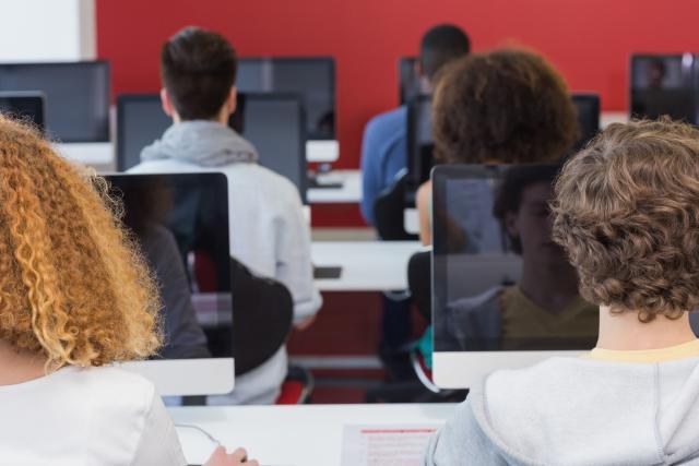 Uchazeče letos čekají společné přijímací zkoušky