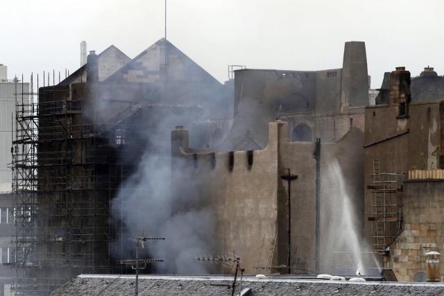 Požár historické budovy umělecké školy v Glasgow