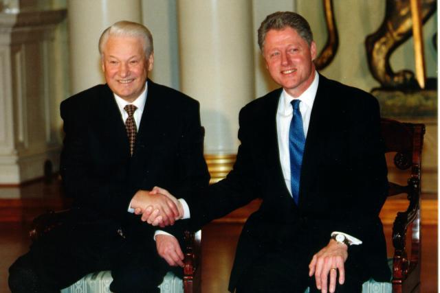 Boris Jelcin a Bill Clinton v Helsinkách v roce 1997