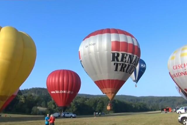 Balóny nad Bouzovem a Olomoucí