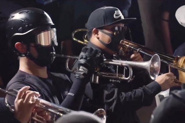 Orchestr hongkongských demonstrantů