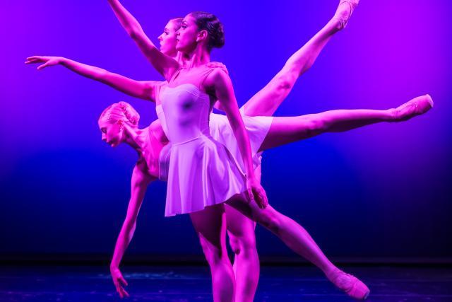 Večer mladých choreografů: Jeden okamžik (choreografie: Olga Borisová-Pračiková)