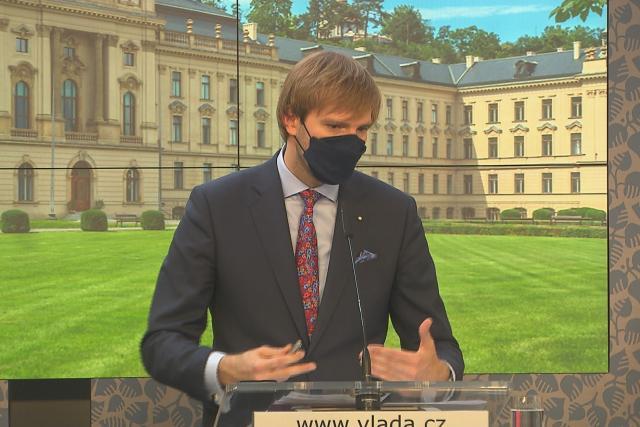 Ministr zdravotnictví Adam Vojtěch na brífinku po jednání vlády