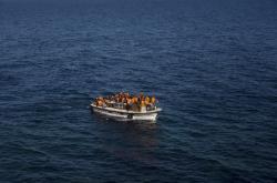 Uprchlický člun ve Středozemním moři