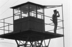Pohraniční stráž Československa na strážní věži