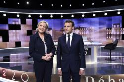 Le Penová a Macron před poslední debatou