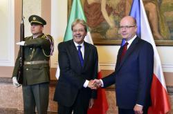 Italský premiér Paolo Gentiloni na návštěvě v Praze
