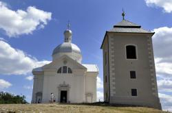 Svatý kopeček u Mikulova s poutní kaplí sv. Šebestiána