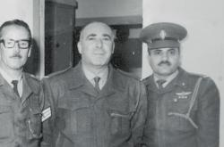 Dozorce Šalom Nagar (vpravo)