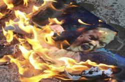Krymský protest proti spojeneckému úderu v Sýrii