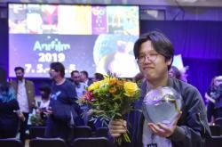 Hlavní cenu za celovečerní film pro dospělé převzal jihokorejský režisér Jing-sun I (Yongsun Lee)
