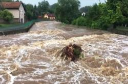 Velká voda v Lochovicích na Berounsku