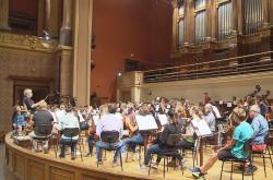 Filharmonici a žáci uměleckých škol spolu hráli v Rudolfinu