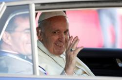 Papež po příletu do Irska