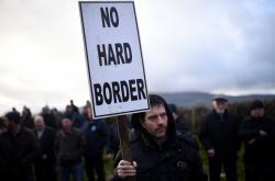 Protest proti pevné hranici v Irsku