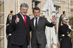 Prezidenti Ukrajiny a Francie - Petro Porošenko a Emmanuel Macron