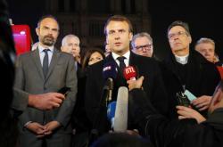 Francouzský prezident Emmanuel Macron k požáru katedrály Notre-Dame