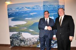 Finský ministr zahraničí Timo Soini se svým americkým protějškem Mikem Pompeem