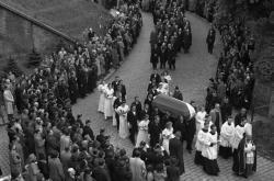 Smuteční průvod s ostatky Karla Hynka Máchy při pohřbu v Praze