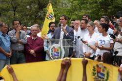 Venezuelský prozatímní prezident Juan Guaidó na setkání s příznivci opozice
