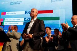 Ve volebním štábu braniborské AfD způsobily první odhady výsledků rozčarování