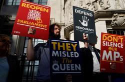 Protest před budovou britského nejvyššího soudu