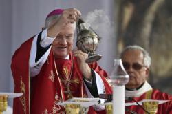 Apoštolský nuncius v Česku Charles Daniel Balvo