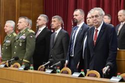 Miloš Zeman, Andrej Babiš a Lubomír Metnar na velitelském shromáždění