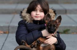Laurent tráví čas nejraději se svým psem