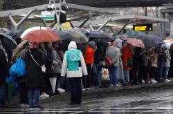 Stávka ve Francii komplikuje lidem dopravu