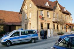 Policisté na místě střelby v Rot am See