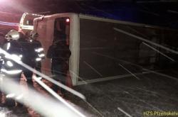 Havarovaný autobus na Klatovsku