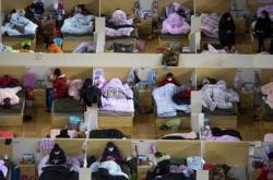 Provizorní nemocnice ve sportovním centru ve Wu-chanu
