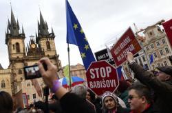 Demonstrace, kterou vyhlásil spolek Milion chvilek po únorovém zvolení Stanislava Křečka ombudsmanem