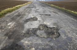 Cesta v katastrofálním stavu