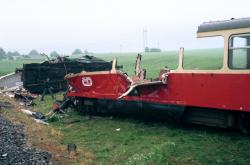 Při srážce u Krouny zdevastovaly vagony motorový vlak