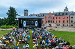 Open air koncert České filharmonie na zámku Sychrov