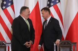 Americký ministr zahraničí Mike Pompeo a polský ministr obrany Mariusz Blaszczak