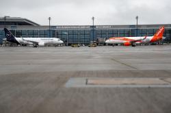 První letadla na letišti BER