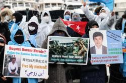 Protest Ujgurů před čínským generálním konzulátem v Istanbulu