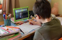 Děti přitáhnul koronavirus kpočítačům