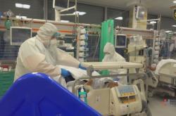Hasiči pomáhali i s covid nemocnými pacienty v nemocnicích