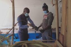 Legální běženci ze Senegalu, kteří se živí jako rybáři