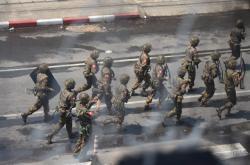 Myanmarští vojáci zasahují proti demonstrantům